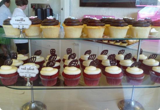 Cupcake display at Hello Cupcake - mmmmm