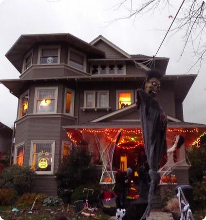 The houses get scarier as it gets dark!