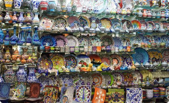 Pottery in Istanbul's Grand Bazaar