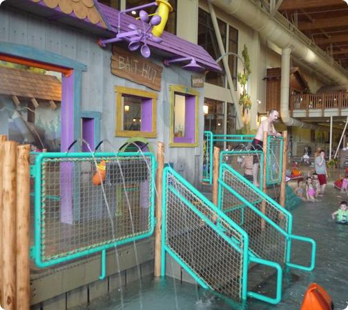 Tot splash area at Great Wolf Lodge