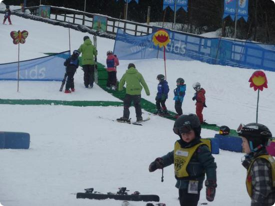 Kids learning to ski at Whistler Kids Ski School