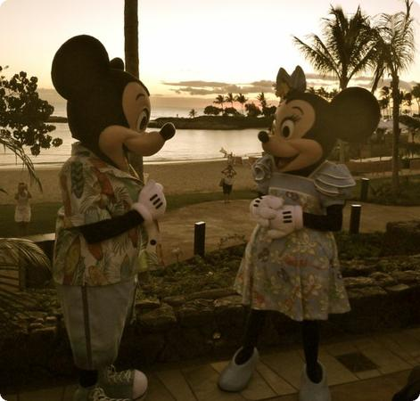 Micky and Minne at Aulani's 'AMA'AMA restaurant
