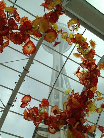 Hello old friend! A view of the Space Needle through the Chihuly Glasshouse