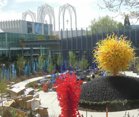 A Peek Into The New Chihuly Garden And Glass Museum