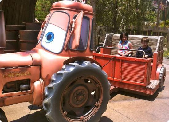 Tow Mater's Junkyard Jamboree Tractor